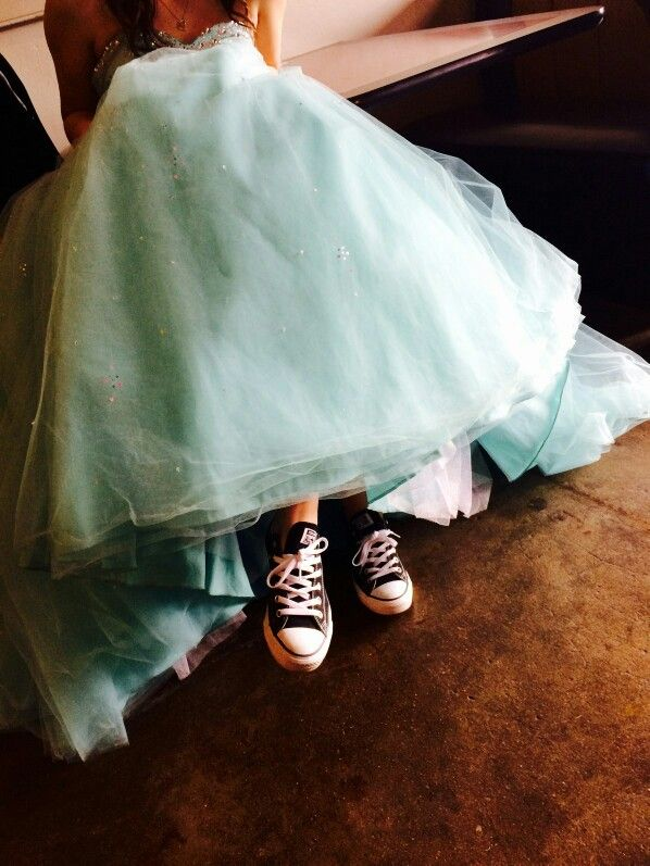 My dress with converse!