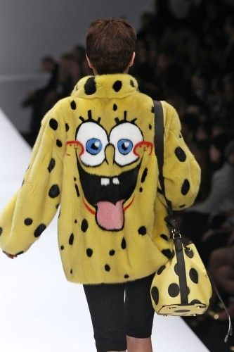 MOSCHINO http://infurmag.com/collections-2/2013-2014/ready-to-wear/autumn-winter-2014-3/milan/moschino/
