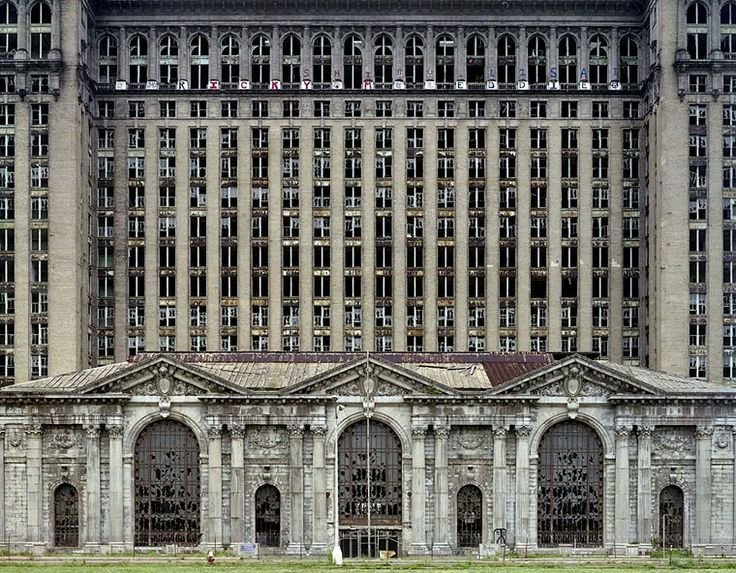 Michigan Central Station, les ruines de Detroit, USA, photo Yves Marchand et Romain Meffre