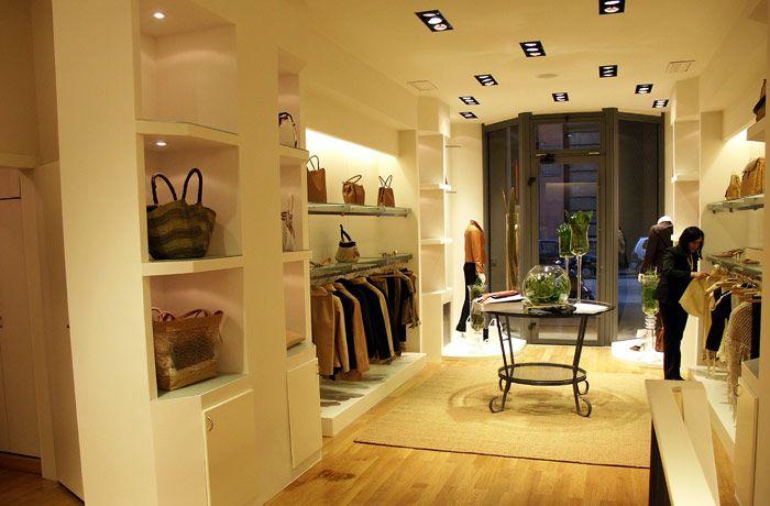 Boutiques interior architecture and italian interior for Boutique interior design ideas
