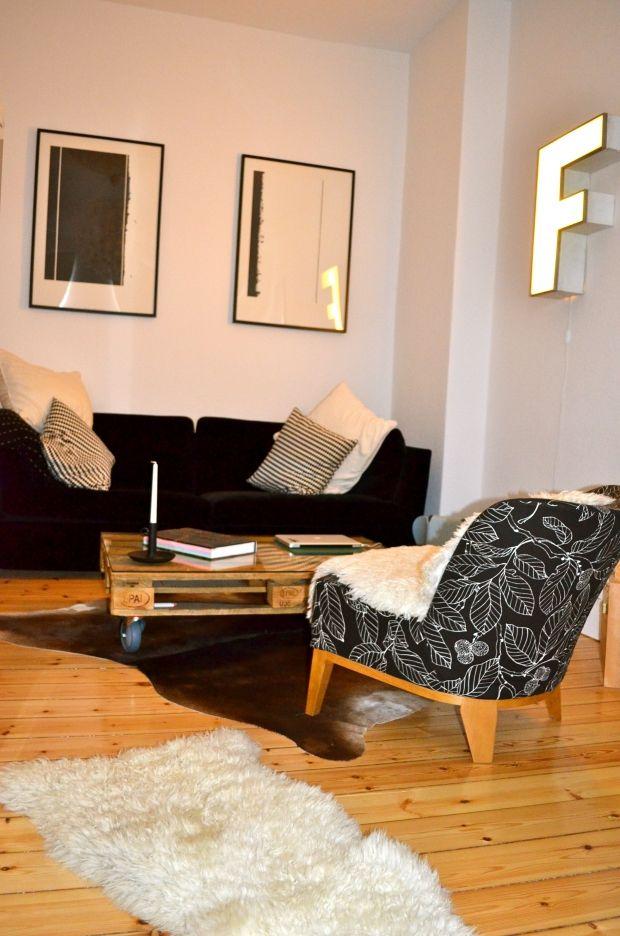franziska 39 s little apartment in berlin sch neberg couch das erste wohn fashion magazin. Black Bedroom Furniture Sets. Home Design Ideas