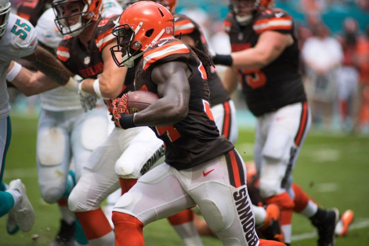 Browns' RB Isaiah Crowell donates game check to Dallas police = Before the season, Browns' RB Isaiah Crowell said he would give all of his first game check, or roughly $35,000, to a charity in Texas called the Dallas Fallen Officers Foundation. Reports indicate that he stayed true to.....