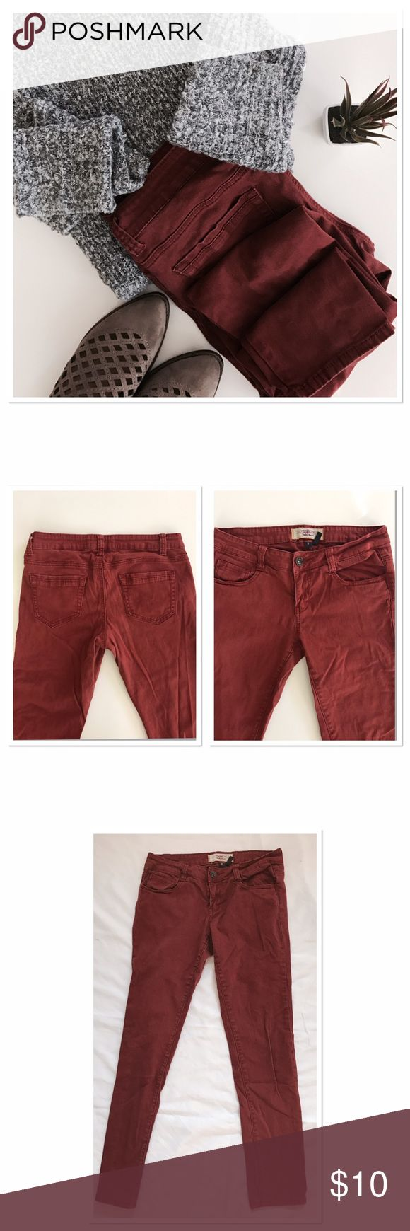Beautiful Maroon skinny jeans No glad, no frays! Had to have them because of the name 😉. There are so boho.... FP style for the fraction of the price!!!! Inseam 29 in. waist is 15 flat. I think that's make a 30. Size 9 ! Jeans Skinny