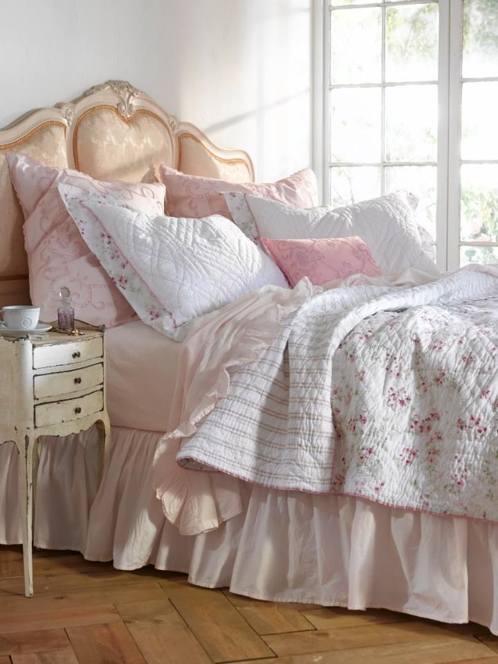 Cherry Blossom Quilt- Simply Shabby Chic. I have this quilt