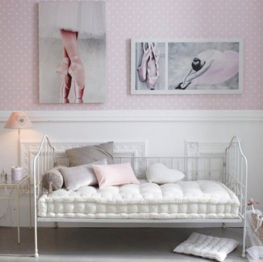 Glamorous And Whimsy Teen Girls Room Design Ideas
