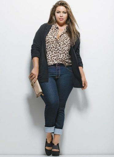 Plus size fashion. Everyday look.  Yes please.
