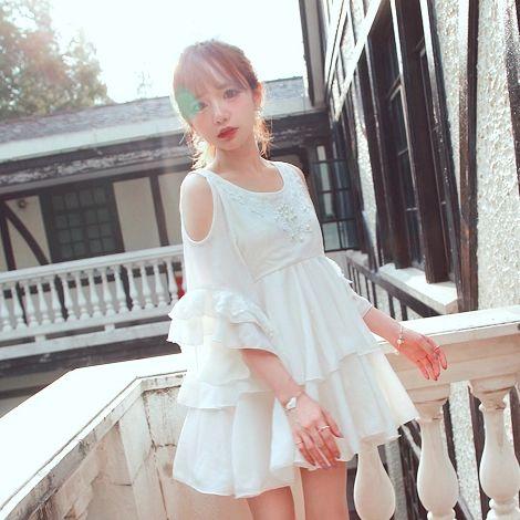 Bobon21独家设计 早秋新品 水滴露肩珍珠花领雪纺仙女裙D1237