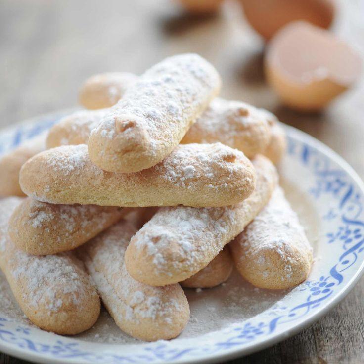 Découvrez la recette Biscuits à la cuillère sur cuisineactuelle.fr.