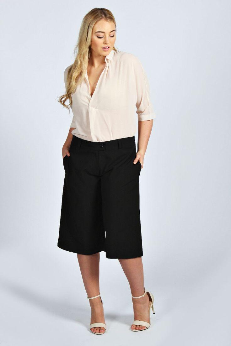 Boohoo Plus Size Black Midi Culottes on The Curvy Fashionista