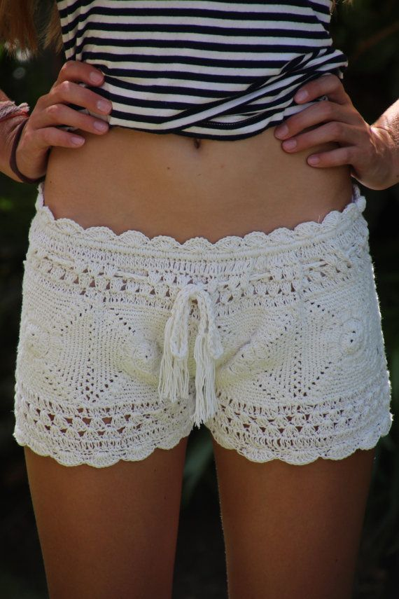 Crochet beach short                                                                                                                                                                                 Mais