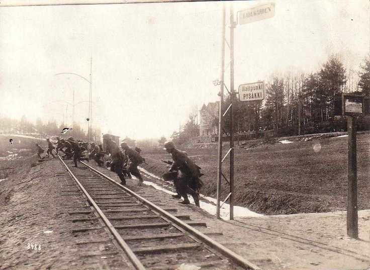 German soldiers on the outskirts of Helsinki during the Finnish Civil War.