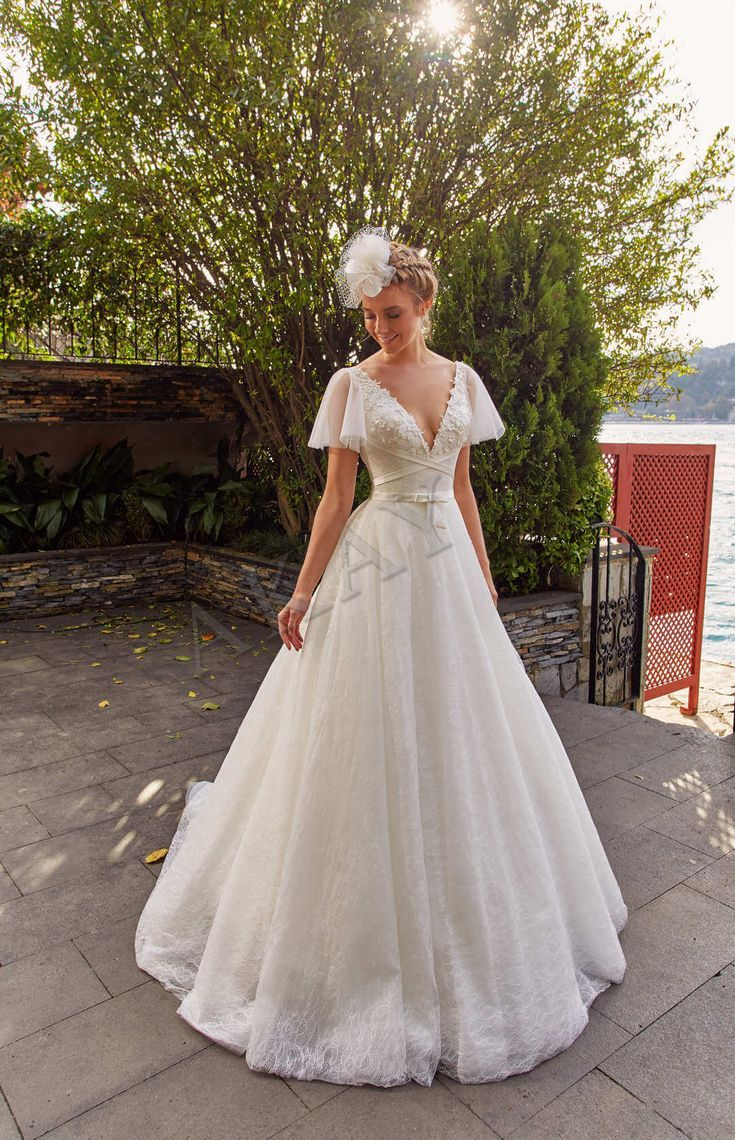 Model 19053 Dantel Saten 2019 Koleksiyon Yarasa Kollu Sirt Dekoltesi A Kesi Dantel Dekoltes Simple Wedding Gowns Wedding Dresses Simple Bridal Dresses