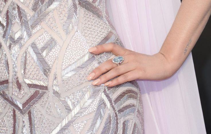 Manicure della sorprendente Lady Gaga