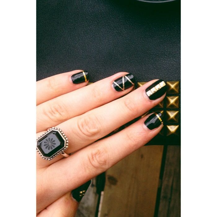 s-media-cache-ak0.pinimg.com 736x 12 bd 14  12bd149f6b585c8cd20c11eb539c912a. Edgy Nail ArtEdgy ... - 57 Best Nails Images On Pinterest Black Nails, Makeup And Nail Art