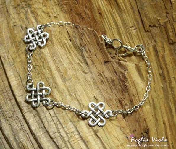 Bracciale Celtico   #pagan #celtic #bracelet #bracciale #pagan #pagano #magic #witch #viking  #witchythings #celtico #nodo #fogliaviola #jewelry #jewellery #nordic