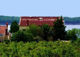 Pension Elizabeta, www.pension-elizabeta.upps.org, Unsere Familie ist schon 35 Jahre in Betrieb. Unsere Pension befindet sich in der Nähe vom Meer, vor der Pension ist ein kleiner Badestrand. Inselurlaub bietet Ihnen nicht nur viele schöne Strände, sondern auch verschiedene Ausflüge zu den Nachbar Inseln.