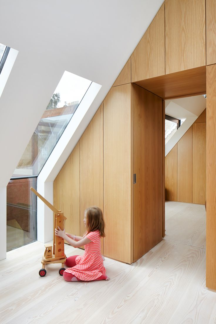 """Door lopende ramen van rechte muur in schuin dak: heel tof!! Verder wel erg """"clean""""; ik mis oude balken in het zicht."""