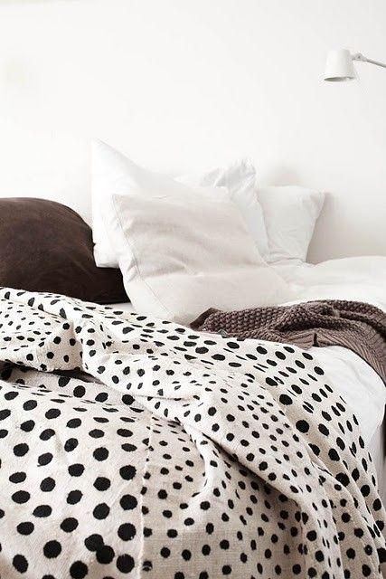 black, white, brownGuest Room, Beds Covers, Polka Dots, Interiors, Duvet Covers, Black White, White Bedrooms, Beds Linens, Bedrooms Decor