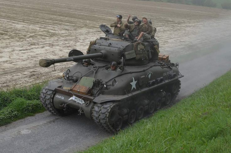 Tanks in town 2014 edition in Mons. Showing different types of tanks: Shermans, Cromwell, Hetzer, Firefly...