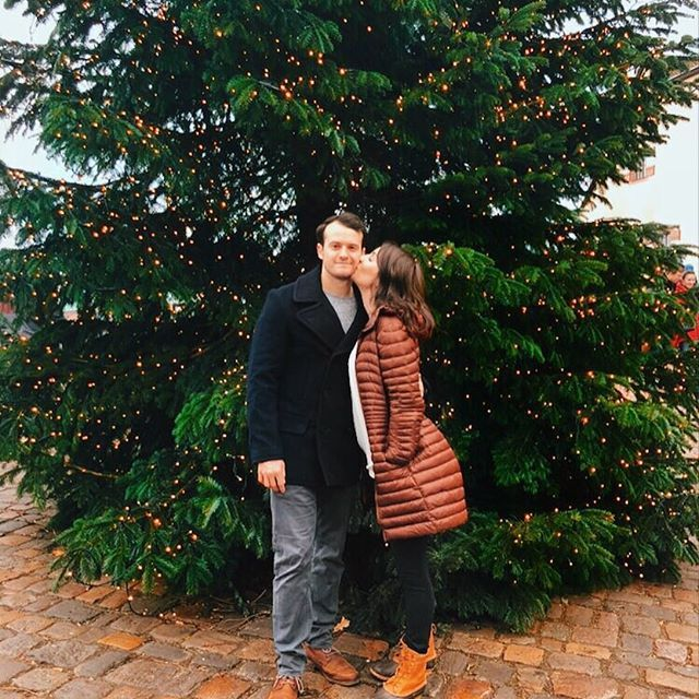 Merry Christmas Eve 🎄We are spending today with our best friends in Germany and feeling so blessed. Our traditions include: matching pajamas, prime rib roast, sugar cookie decorating & watching 'Christmas Vacation' 🎁