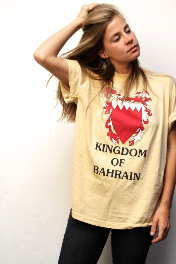 vintage KINGDOM of BAHRAIN slouchy KNIGHT t-shirt by ZiaVintage
