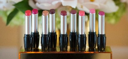 Pucker up! It's National Lipstick Day! 2 Free gifts TODAY ONLY at my @AvonInsider eStore! #AvonRep HURRY!!!