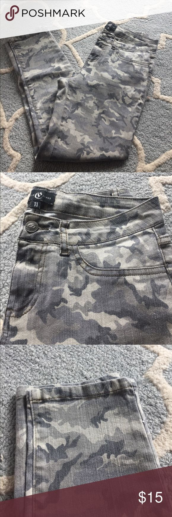 Army print ankle jeans Army print. Ankle length. Excellent condition. Cello Jeans Jeans Ankle & Cropped