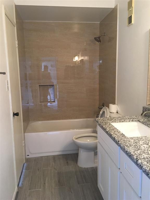 6500 Harbor Town Dr 3002 Houston Tx 77036 Trulia Harbor Town Bath Apartments Townhouse For Rent