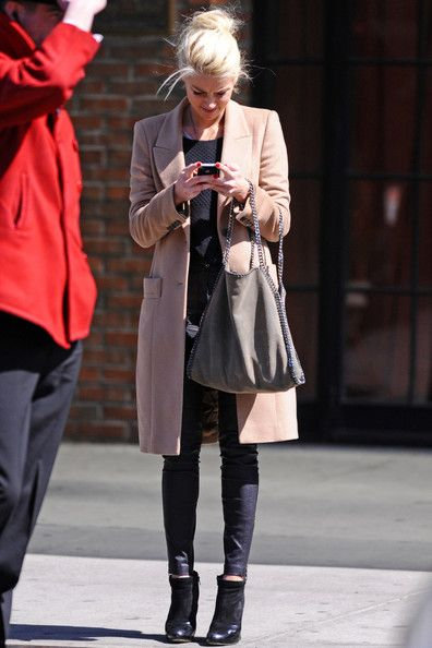 Street Style   Out and About in NYC   Amber Heard in Platinum Hair, All Black & Blush Coat