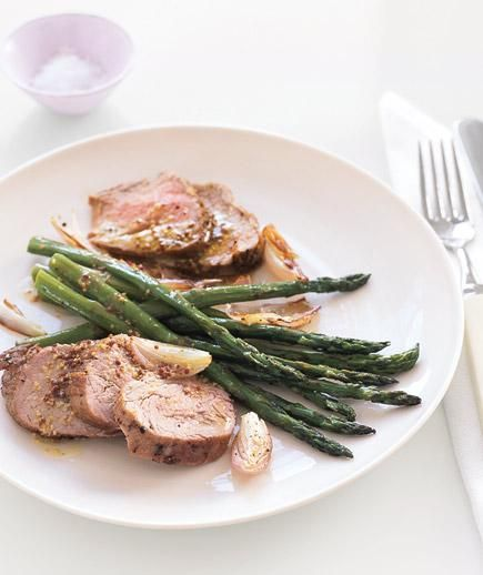 Roast Pork and Asparagus With Mustard Vinaigrette | These mouth-watering recipes won't leave you hungry or bust your carb budget.