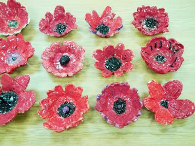 ONTeachers - Clay poppy project for Remembrance Day. www.onteachers.ca is a website full of free lesson plans and ideas for Ontario teachers, by Ontario teachers.
