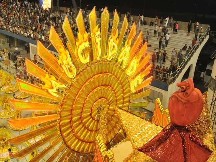 """O enredo da Mocidade Alegre para o carnaval de 2014 é """"Andar com fé eu vou... que a fé não costuma falhar!"""". Confira os finalistas e vote nosamba-enredo da sua preferência."""