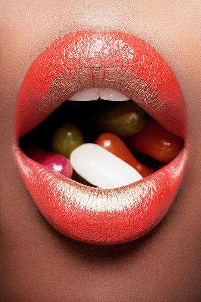 ⊰•꒚ɭᎥթ•꒩f•ʈᅢ⁅•ɭᎥթ•⊱: Gold Lips, Beautiful Yummy, Artists Photos, Colors Lips, Lascivi Lips, Lipsticks Lips, Jelly Beans, Lips Rouge, Beans Stockings