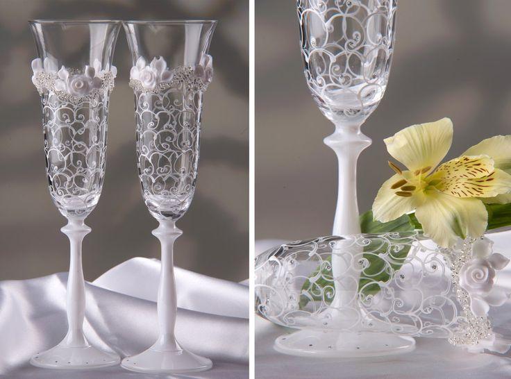 Картинки по запросу бокалы свадебные синие