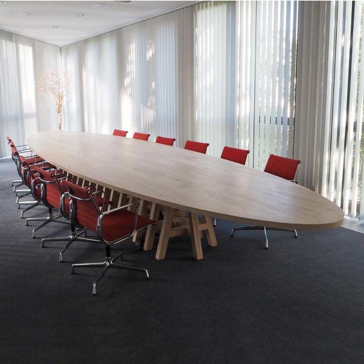 Project kantoor in Bremen. Pake Sytse vergadertafel.