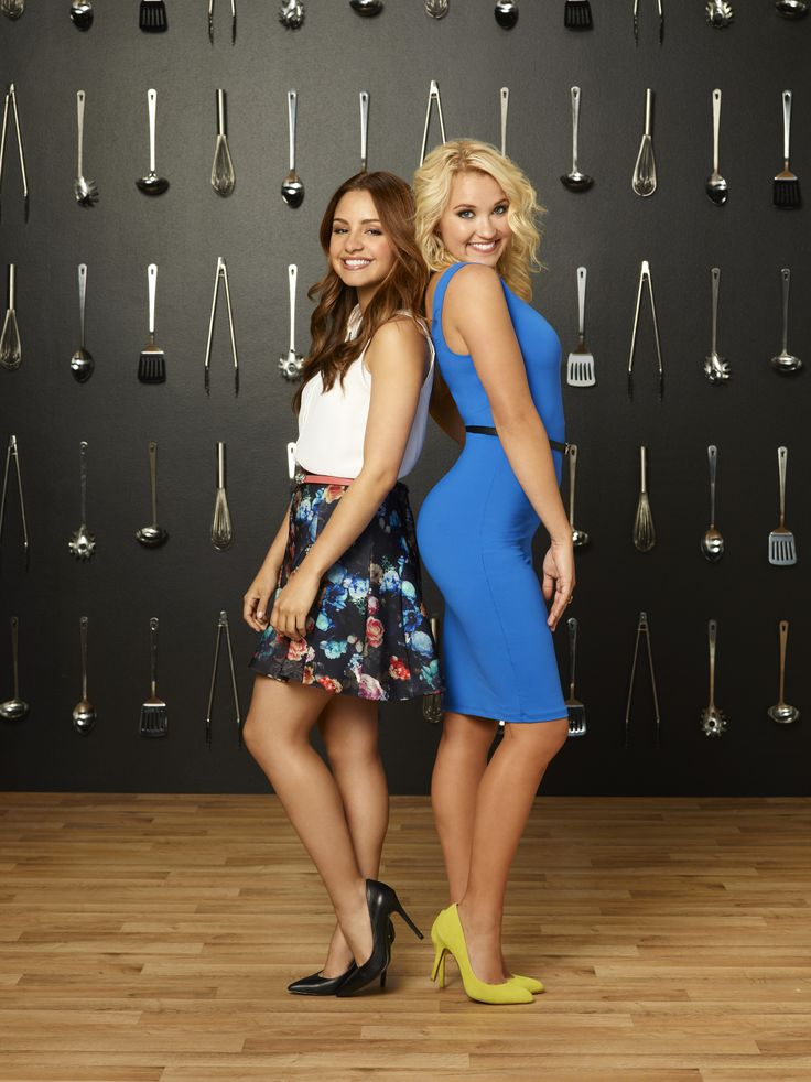 Sofia and Gabi are besties! Don't miss the Young & Hungry series premiere Wednesday, June 25 at 8/7c on ABC Family!