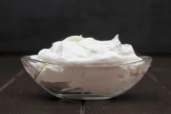 Whipped shea-mango body butter recipe from Mountain Rose Herbs. This one's gotta be amazing!
