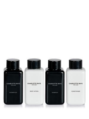 ESSENTIAL - GIFT BOX _Shower Gel – Body Lotion – Shampoo – Conditioner. Ein must have für das Bad oder als Reise Kit.   _______________________________ VERPACKUNGSINFORMATION Ohne Konservierungsstoffe, tierischen oder Petroleum Derivaten. Wurde nicht an Tieren getestet Enthält 4x100 ml  Düfte: No.17, Under the Leaves.