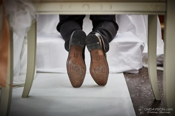 and now? help me www.omdavision.con #weddingreportage #omdavision #groom #shoes #mangionephoto #ottavio #puglia
