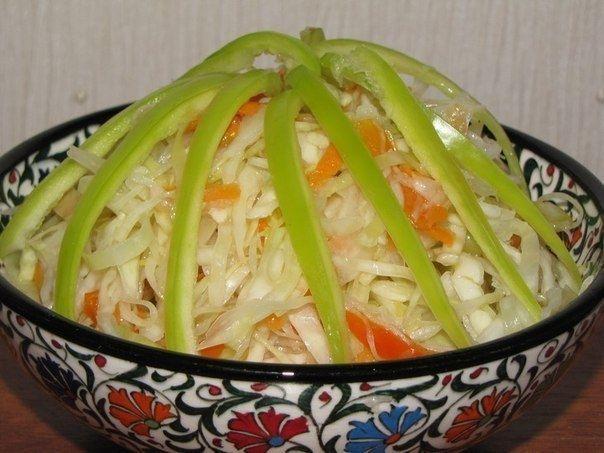 Фото к рецепту: Остренькая капуста быстрого приготовления.