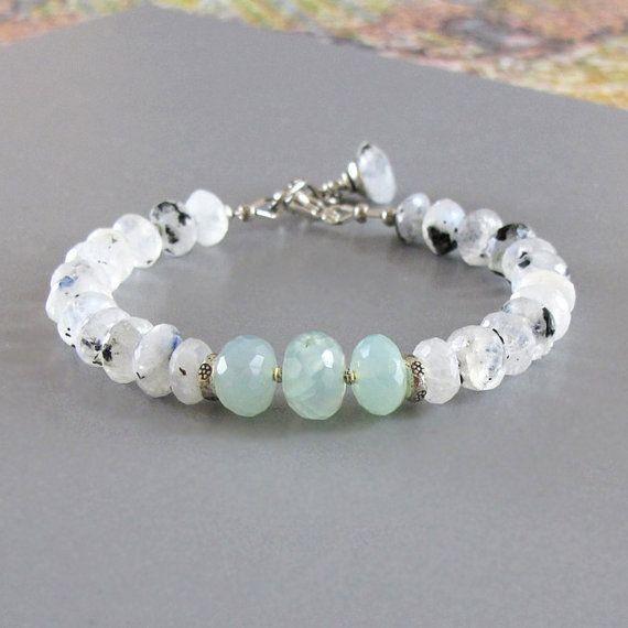 White Labradorite Ocean Chalcedony Bracelet Sterling por DJStrang