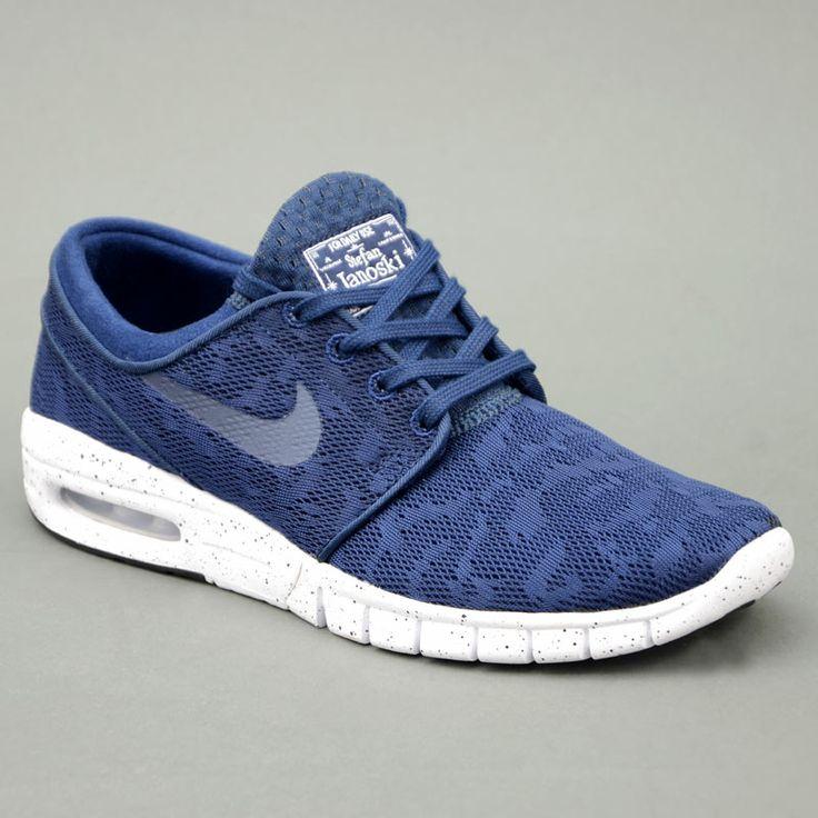 Nike NIKE STEFAN JANOSKI MAX Blu mod. 631303-441 in vendita su www.grandinettisport.com Prezzo € 119,00