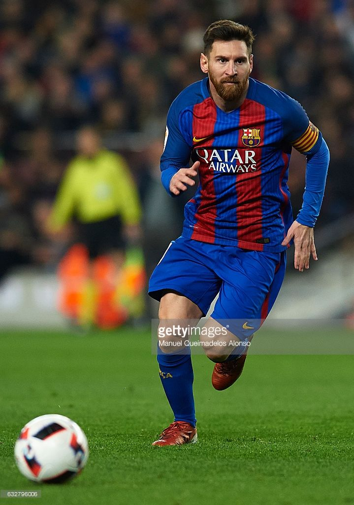 Lionel Messi of Barcelona runs with the ball during the Copa del Rey quarter-final second leg match between FC Barcelona and Real Sociedad at Camp Nou on January 26, 2017 in Barcelona, Spain.