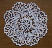「yasasiikaze」パイナップルドイリーの編み図