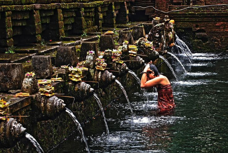 Balinese Bathing by Au Phairatphiboon on 500px | Purifying Pool at the Tirta Empul Temple, Bali, Indonesia  #hindu
