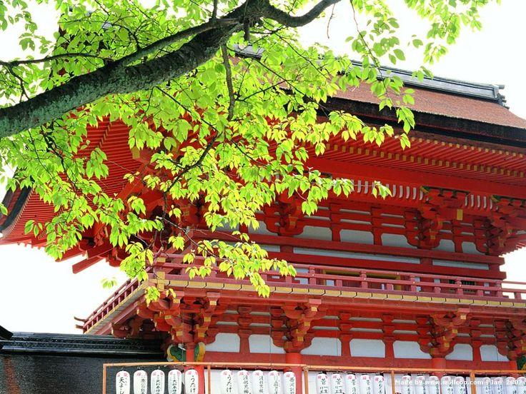 Temples - Desktop Background Pictures: http://wallpapic.com/architecture/temples/wallpaper-25780