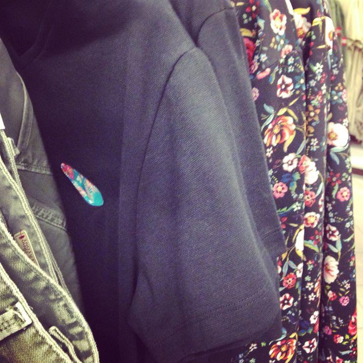 SCORCI D'ESTATE DA #ADEMARK!!! #sun #store #milano #expo #marquisandoge #mand #luxury #cm #shopping #shop #pochette #tshirt #felpe #flower #party #pois #reverse #happy #kiss