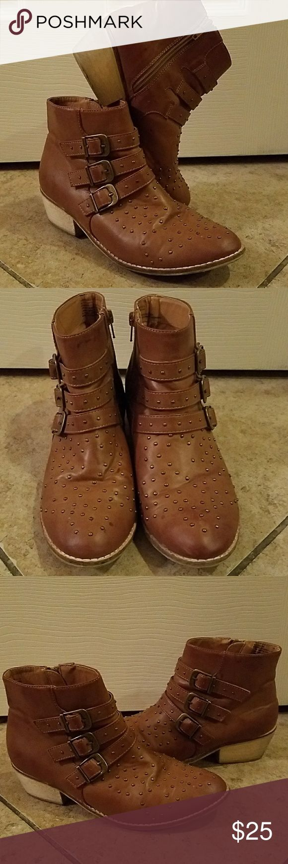 American Eagle Outfitters Studded Ankle Boots AE Outfitters Studded Ankle Boots with zippers. Size 7, in very good condition. American Eagle Outfitters Shoes Ankle Boots & Booties