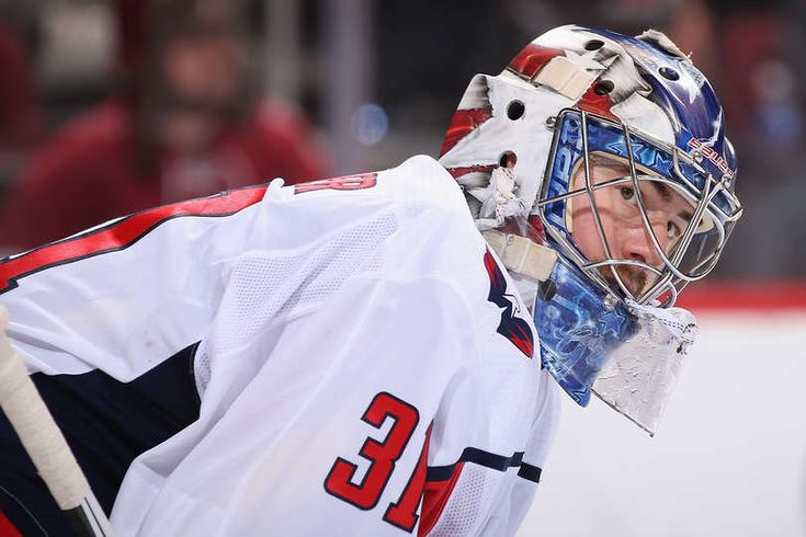 GLENDALE, AZ - DECEMBER 22: Goaltender Philipp Grubauer #31 of the Washington Capitals reacts during the third period of the NHL game against the Arizona Coyotes at Gila River Arena on December 22, 2017 in Glendale, Arizona. The Coyotes defeated the Capitals 3-2 in overtime. (Photo by Christian Petersen/Getty Images)
