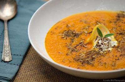 A sweet and savory #edible insect recipe: Buffalo Carrot Soup featuring a Moroccan style carrot soup with toasted buffalo worms #entomophagy